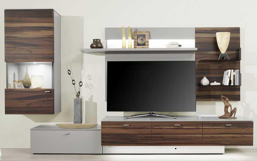 Kệ tivi đơn giản nhưng không kém phần sang trọng